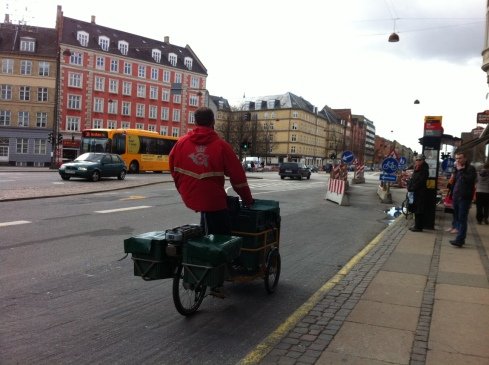 post denmark electric cargobike from Nihola